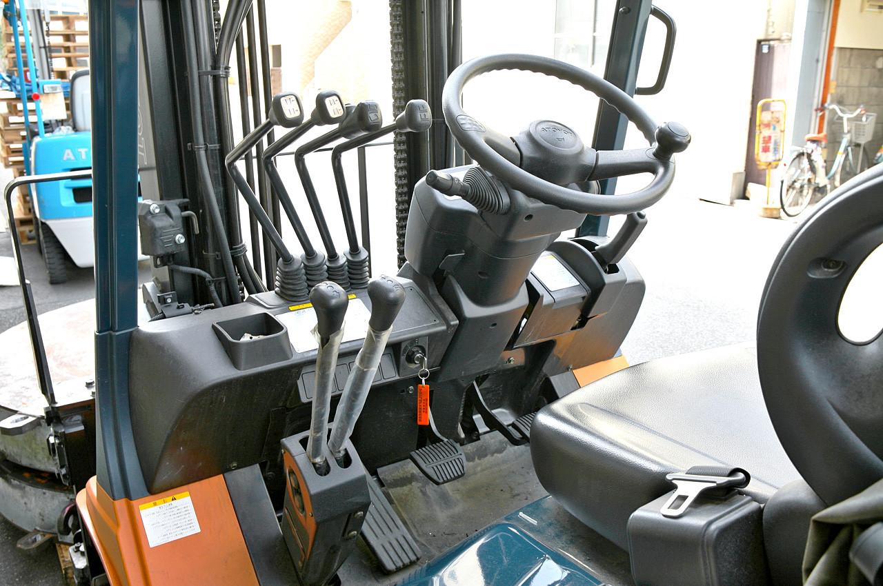 Begagnade truckar & pallyftare för industriellt bruk